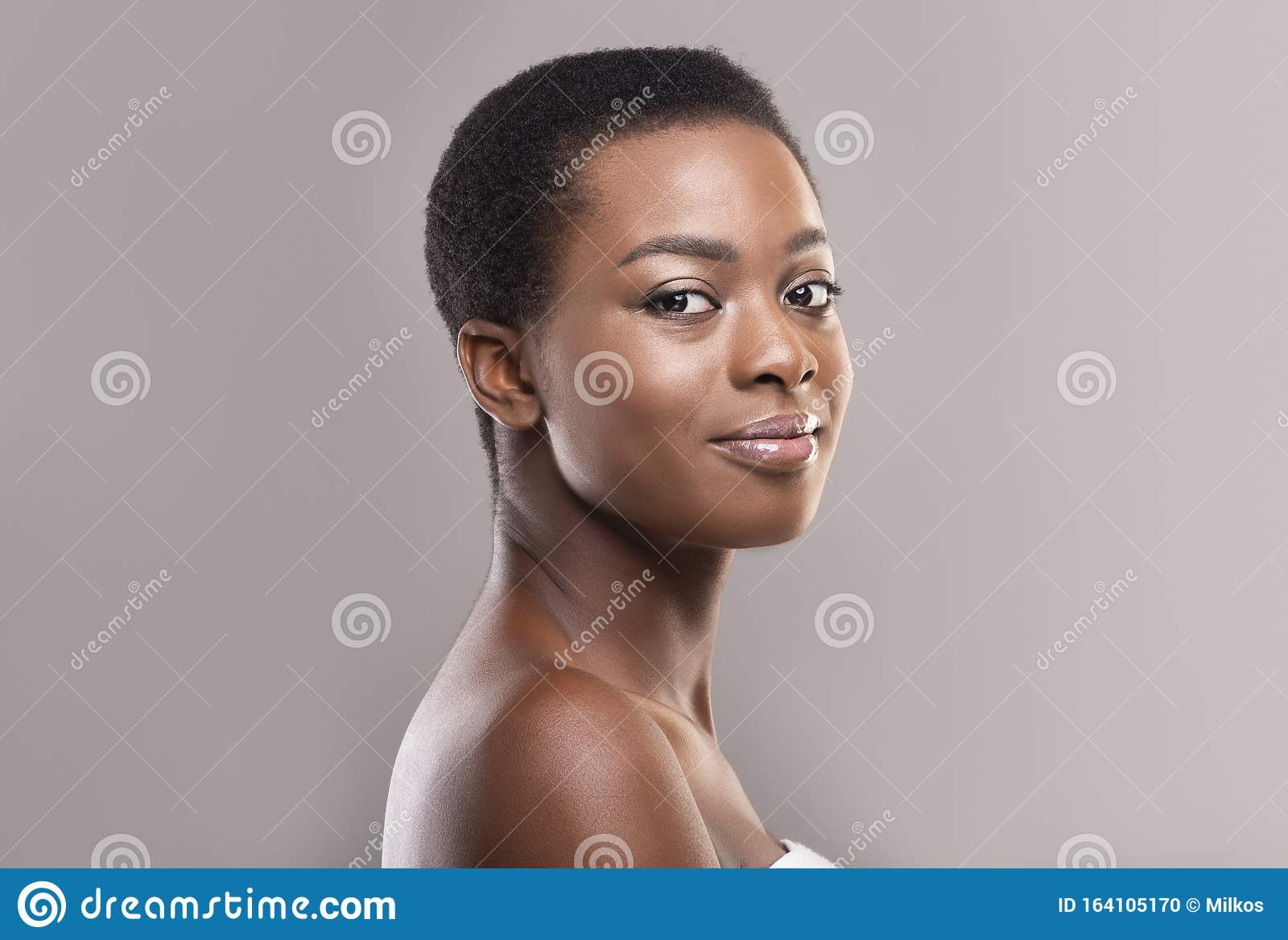 Beautiful Afro Woman With Natural Makeup And Short Hair Stock Photo Image Of Clean Millennial 164105170
