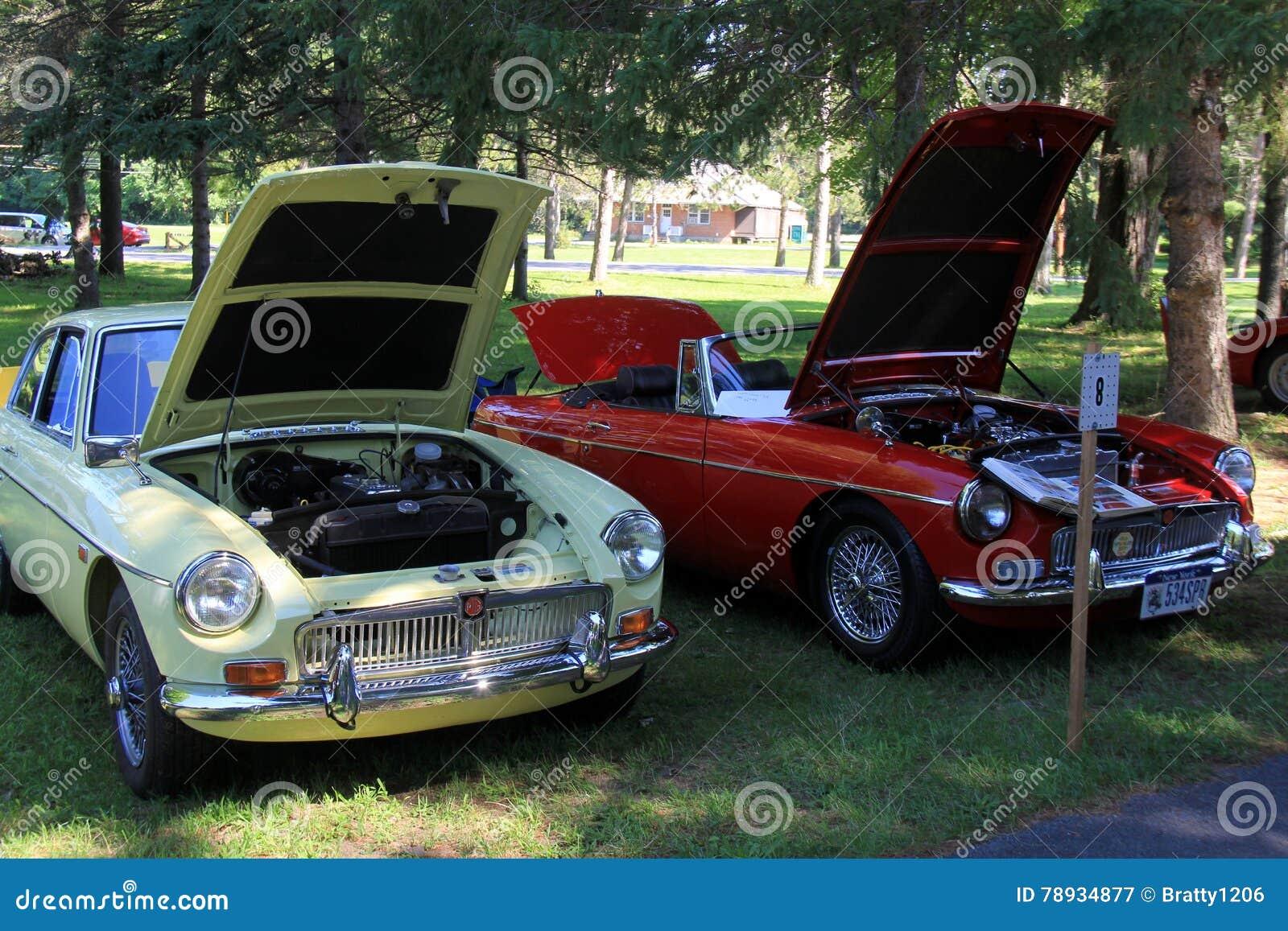 Beautiful Antique Cars Hoods Open For Visitors To AdmireSaratoga - Saratoga auto museum car show