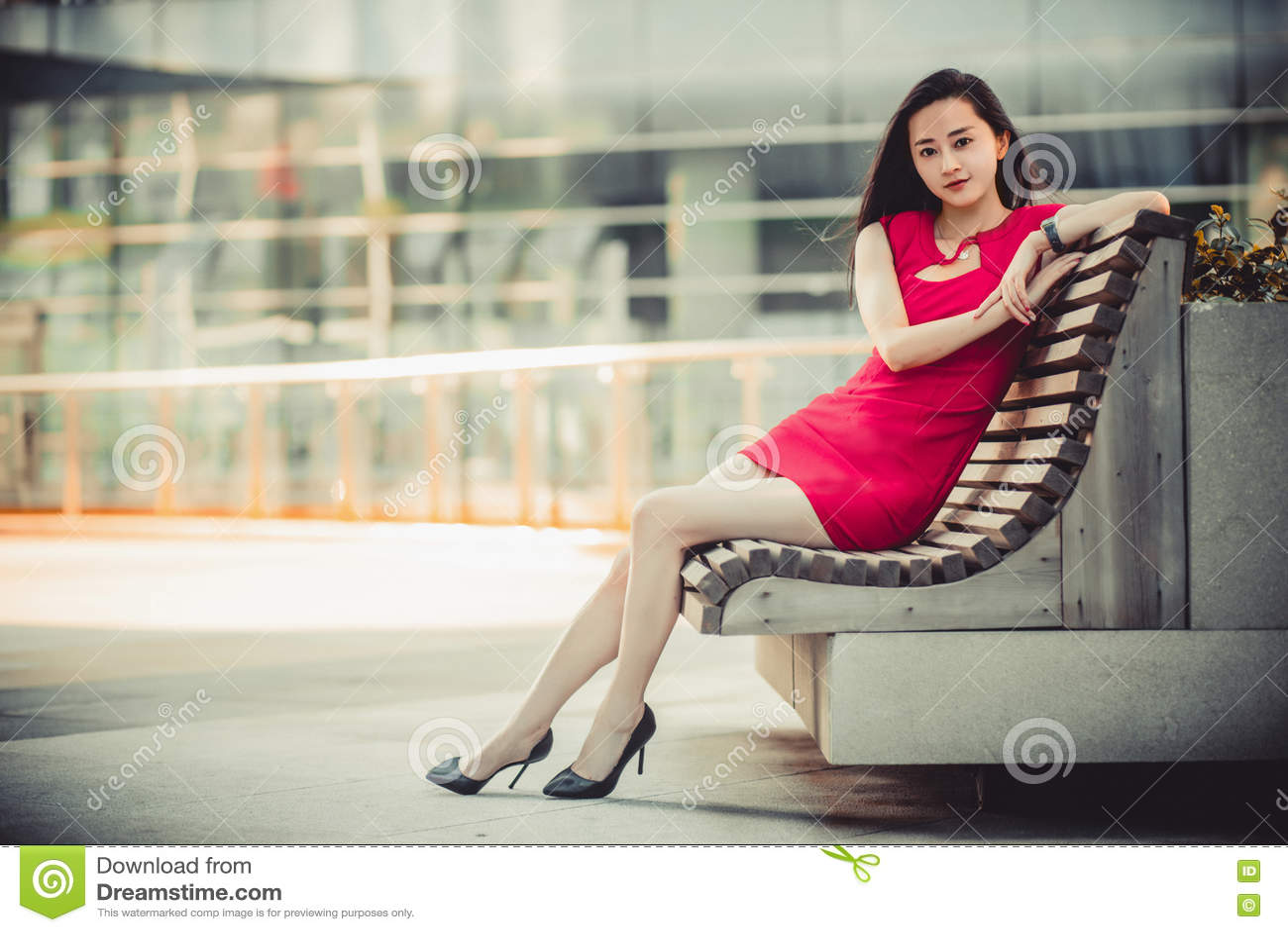 asian-babe-posing