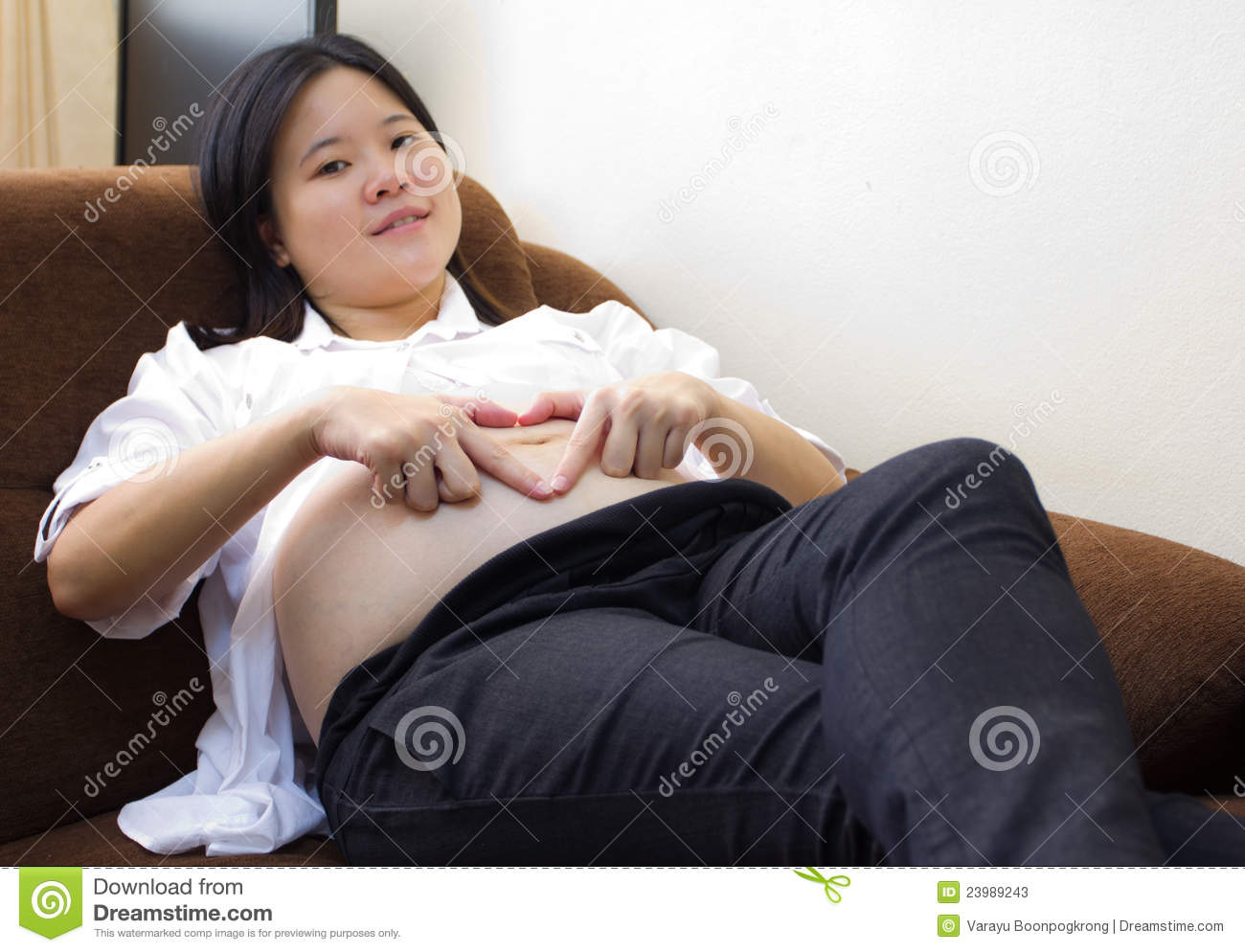Asian pregnant belly pictures