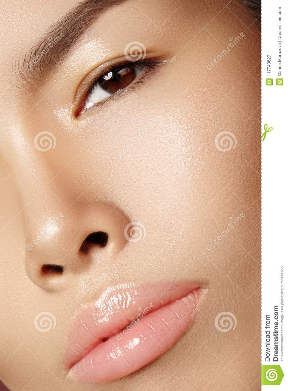 Beautiful asian woman with fresh daily makeup. Vietnamese beauty girl in spa treatment. Close-up with Clean Skin on Face