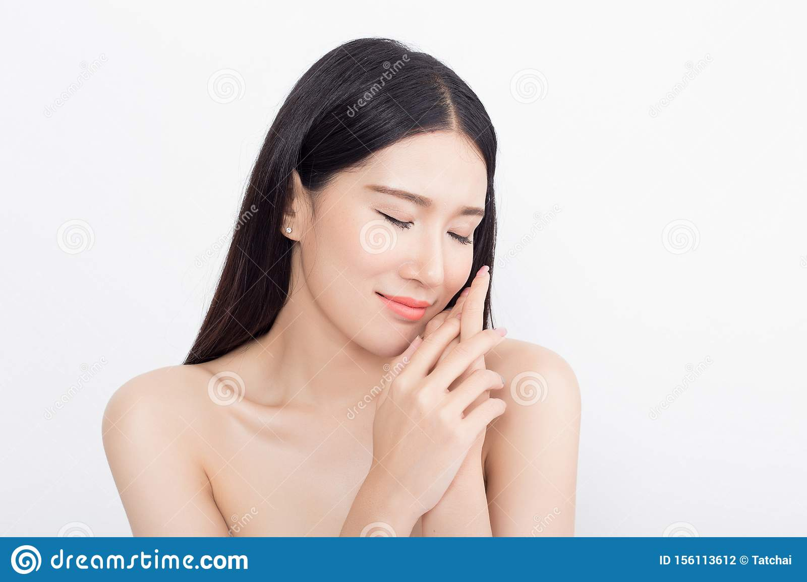 https://thumbs.dreamstime.com/z/beautiful-asian-woman-isolated-white-background-asian-beauty-concept-beautiful-asian-woman-156113612.jpg