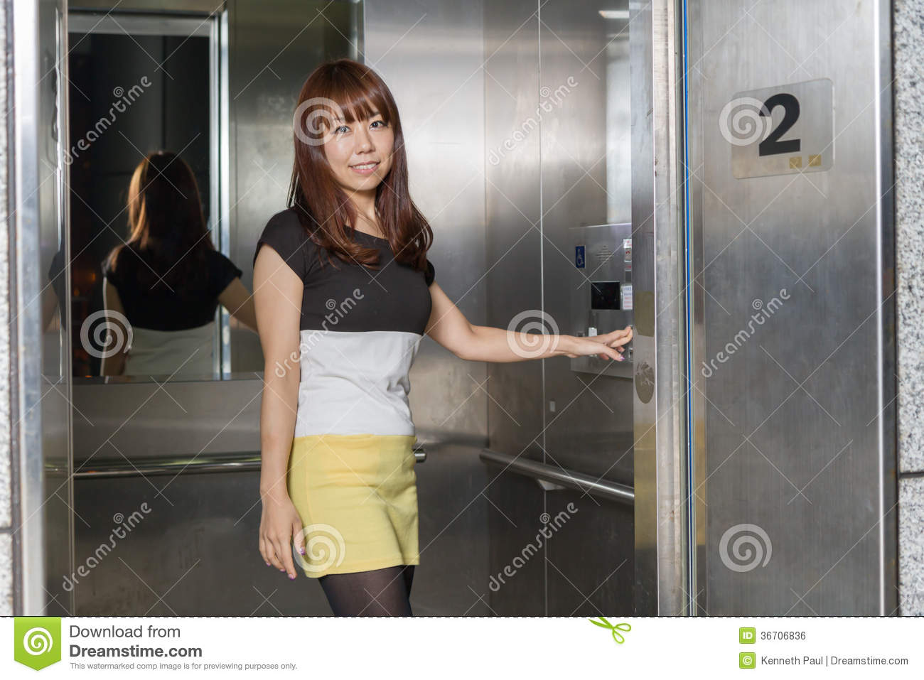 asian girl elevator suplex