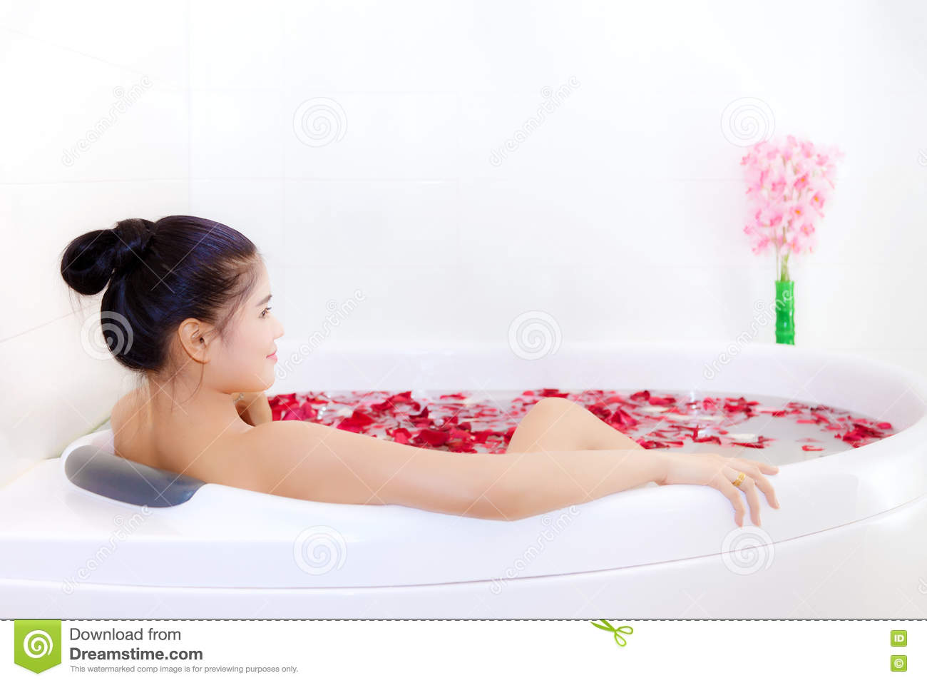 Gianni recommend best of massage bath asian