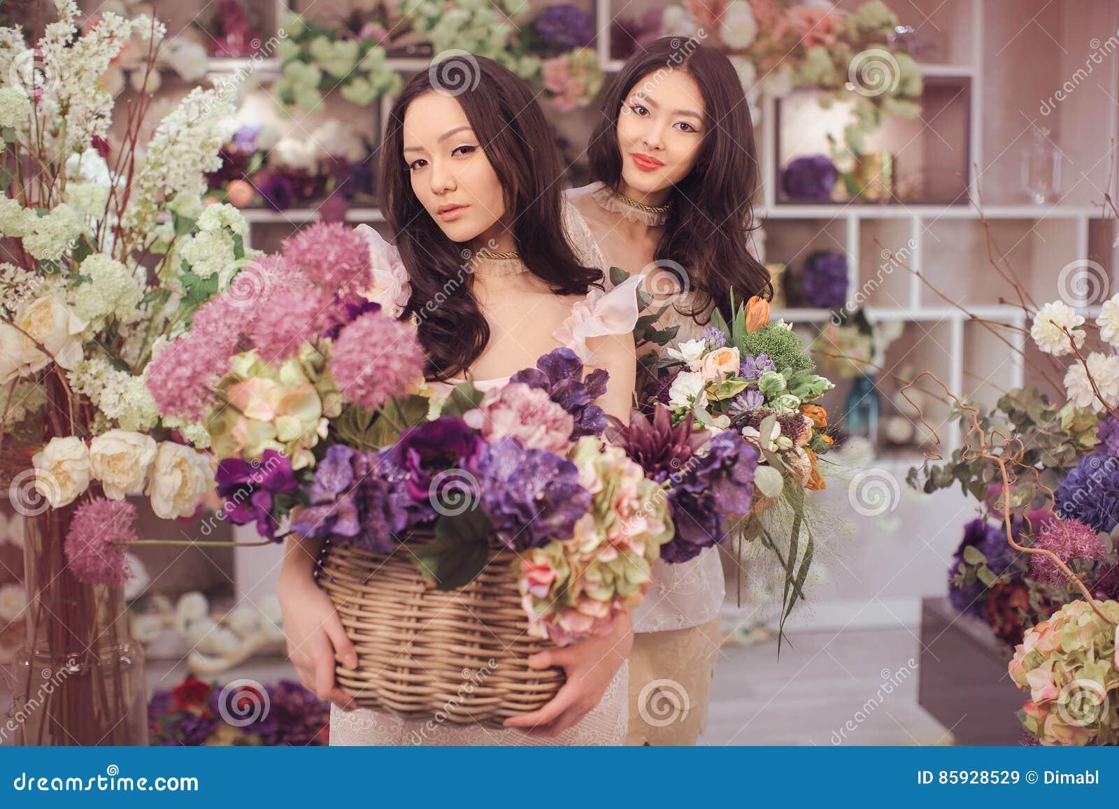 spring house asian personals Spring house inn, porter - reserva amb el millor preu garantit a bookingcom t'esperen 421 comentaris i 21 fotos.