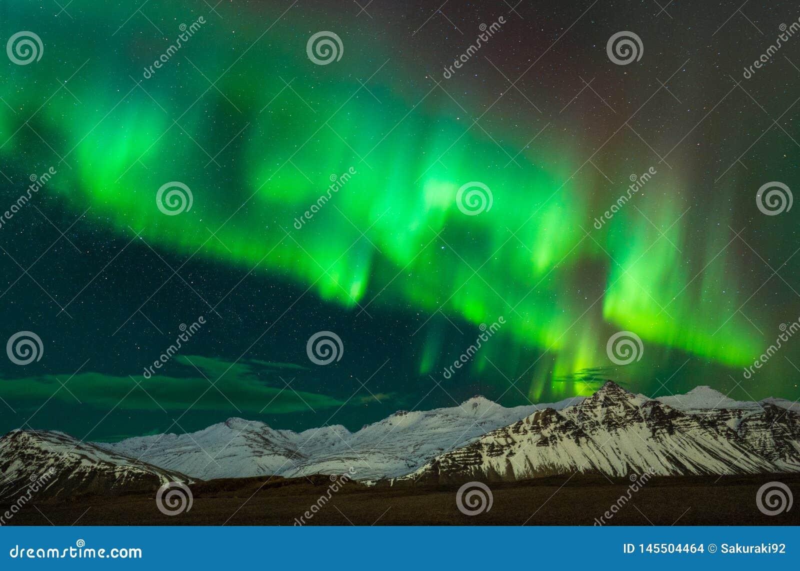 Aurora borealist in Southern Iceland
