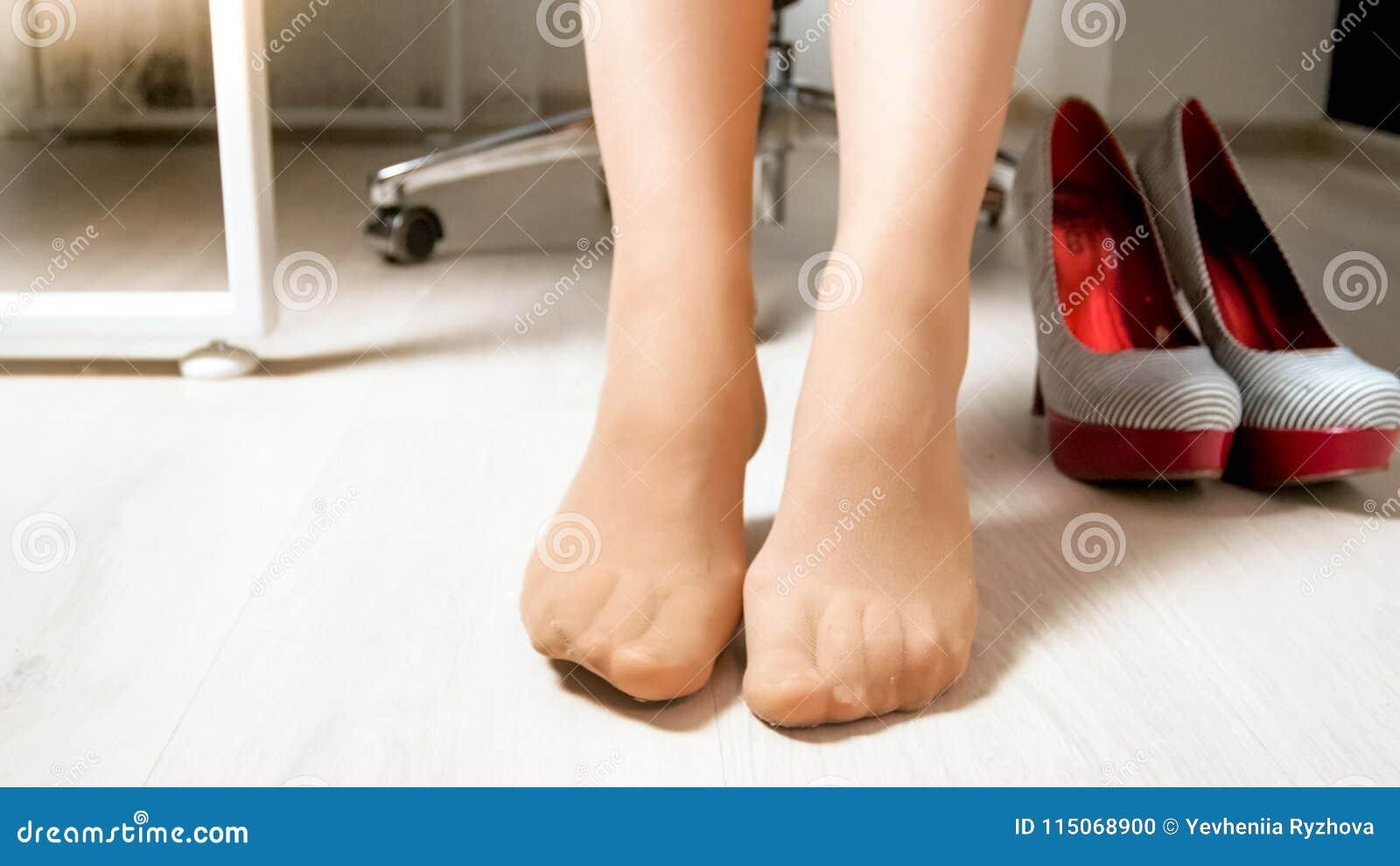 wearing pantyhose sexy legs