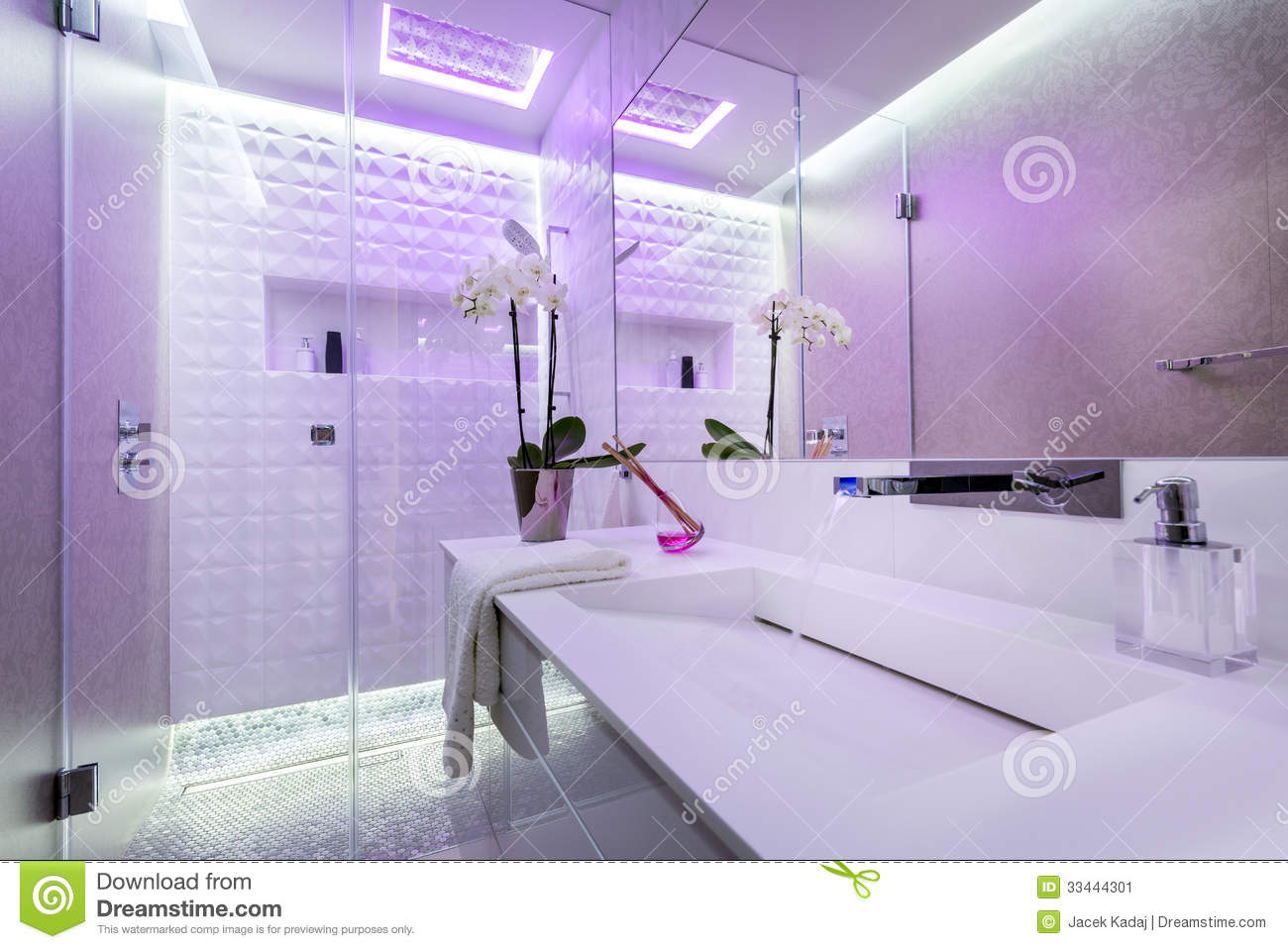 Beautiful bathroom interior design stock image image for Beautiful houses interior bathrooms