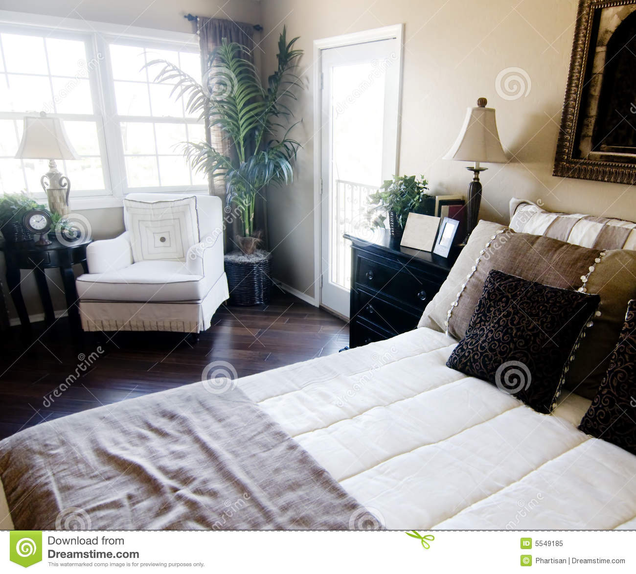 Beautiful bedroom interior royalty free stock photography for Beautiful rooms interior design