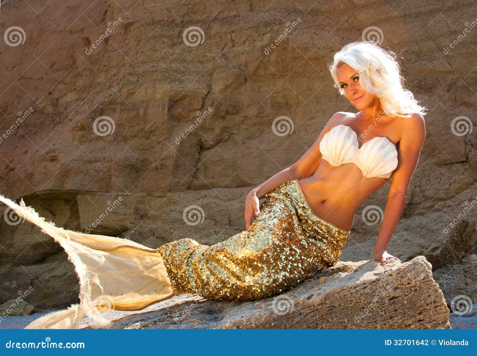 Beautiful Blonde Mermaid Stock Photography - Image: 32701642