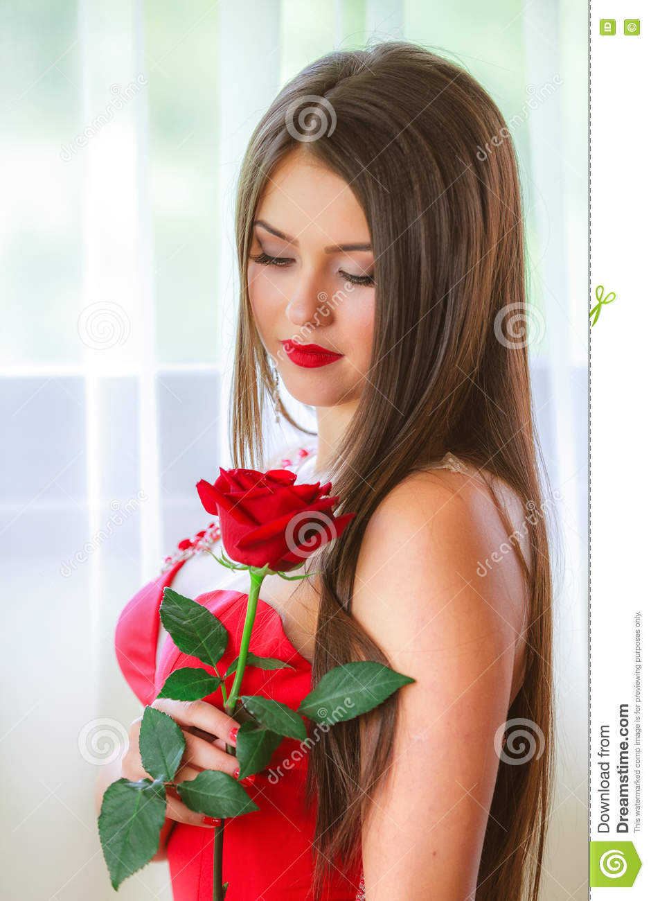 beautiful blond with roses
