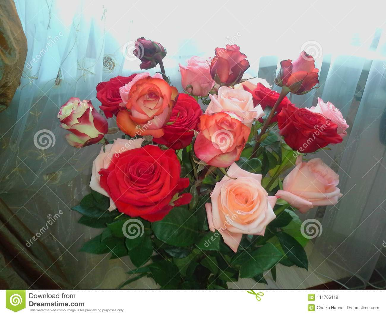 A Beautiful Bouquet With Pink Red Roses Bouquet Of Roses Flowers