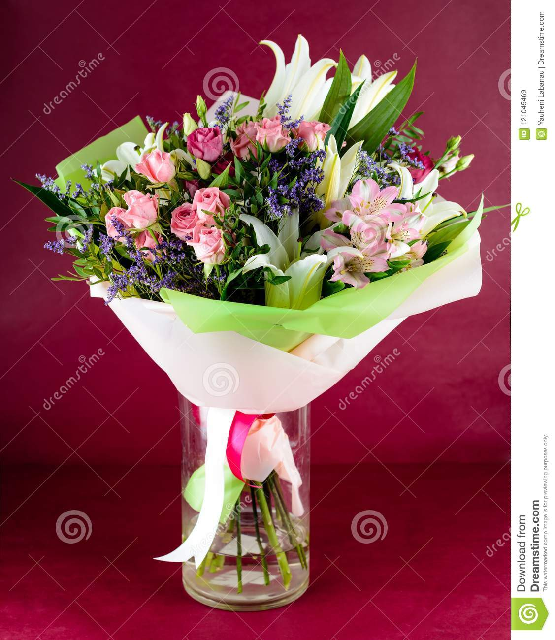 Beautiful Bouquet Of Pink Roses And Lily Flowers In A Vase On Pi