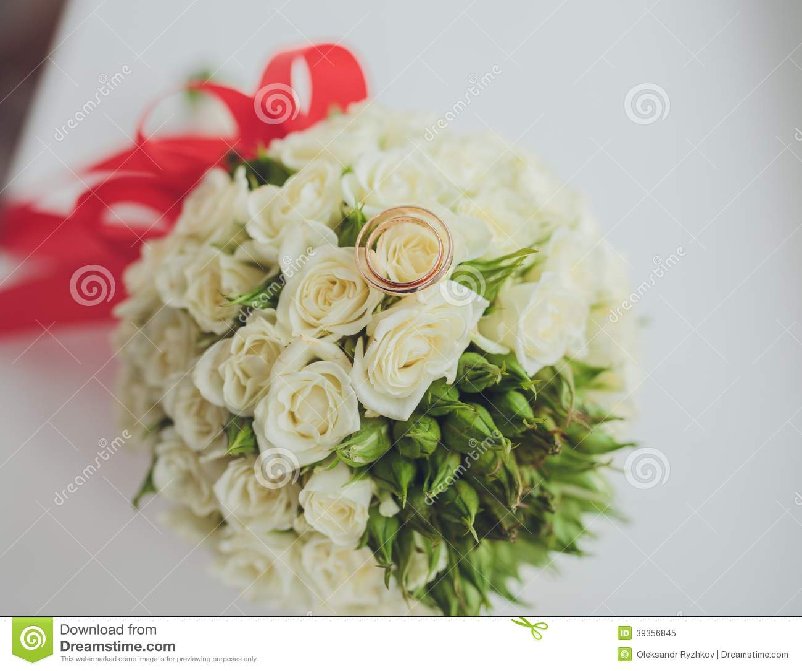 Beautiful Flowers For Weddings: Beautiful Bouquet Of Wedding Flowers Stock Image