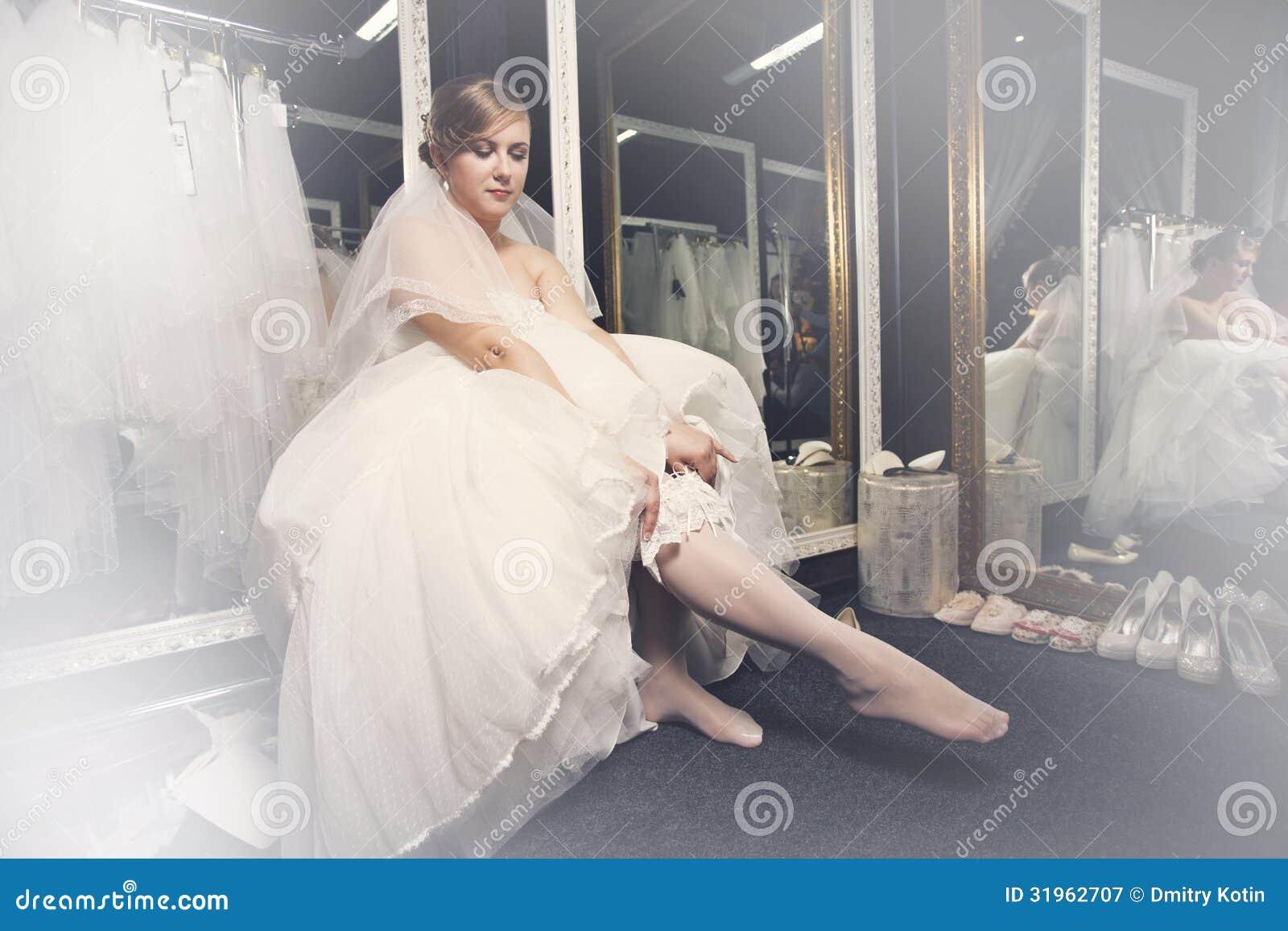 Фото невесты в чулках 22 фотография
