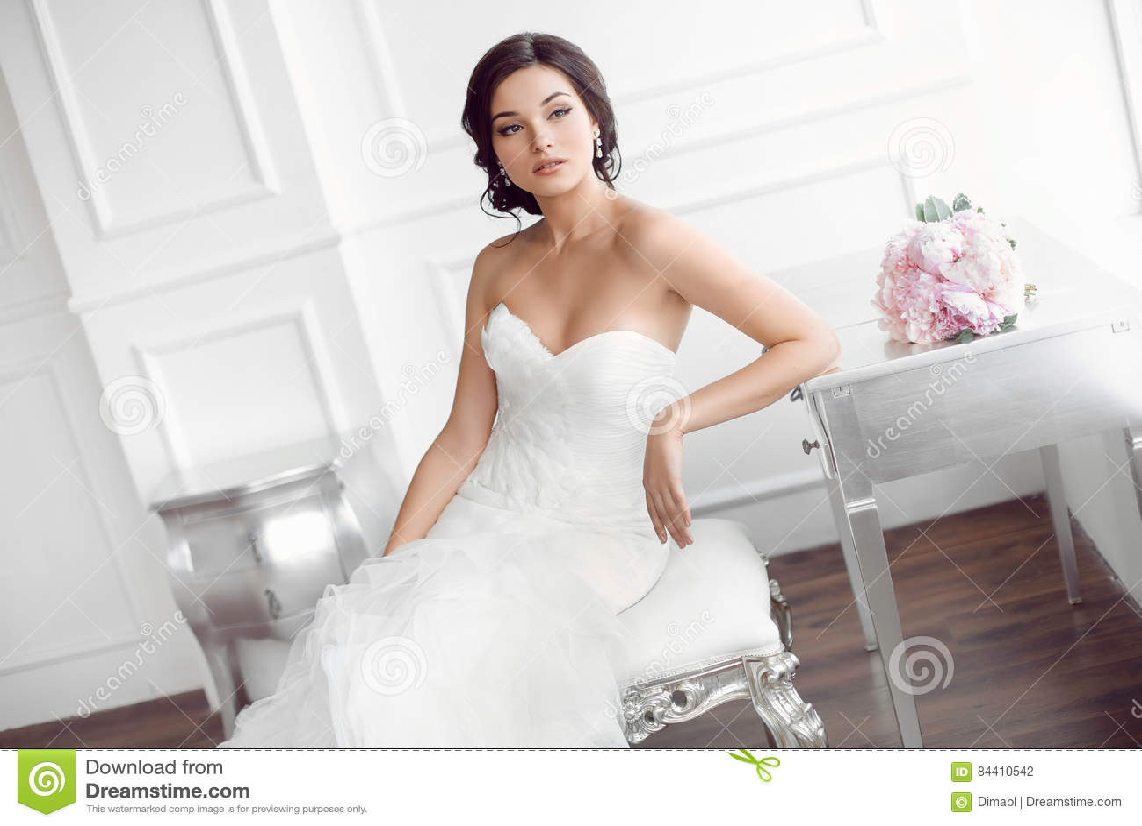 Beautiful Bride Wedding Hairstyle Make Up Luxury Fashion Dress