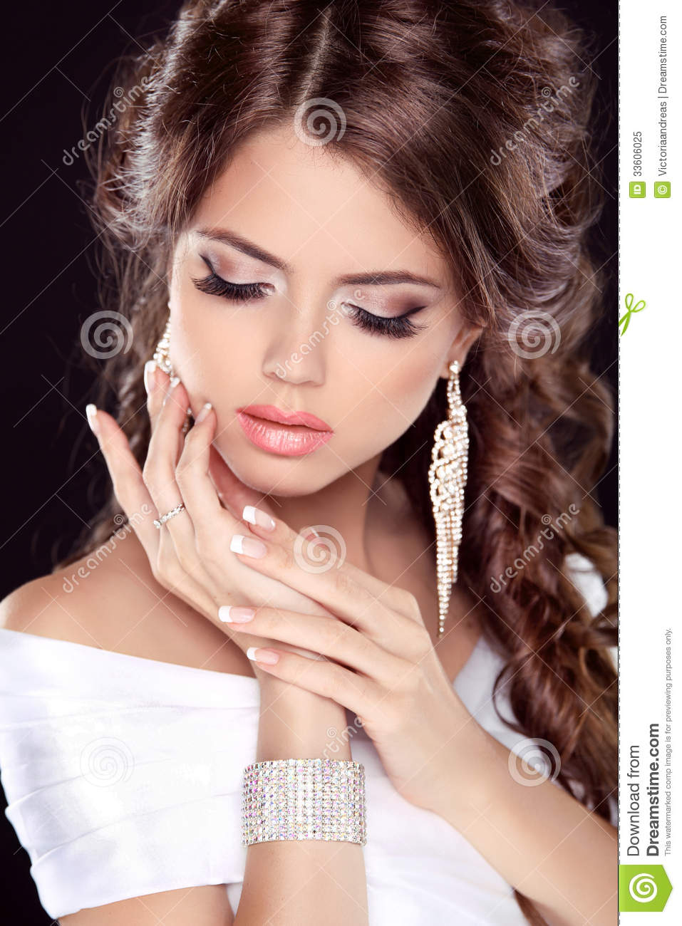 White dress and makeup - Beautiful
