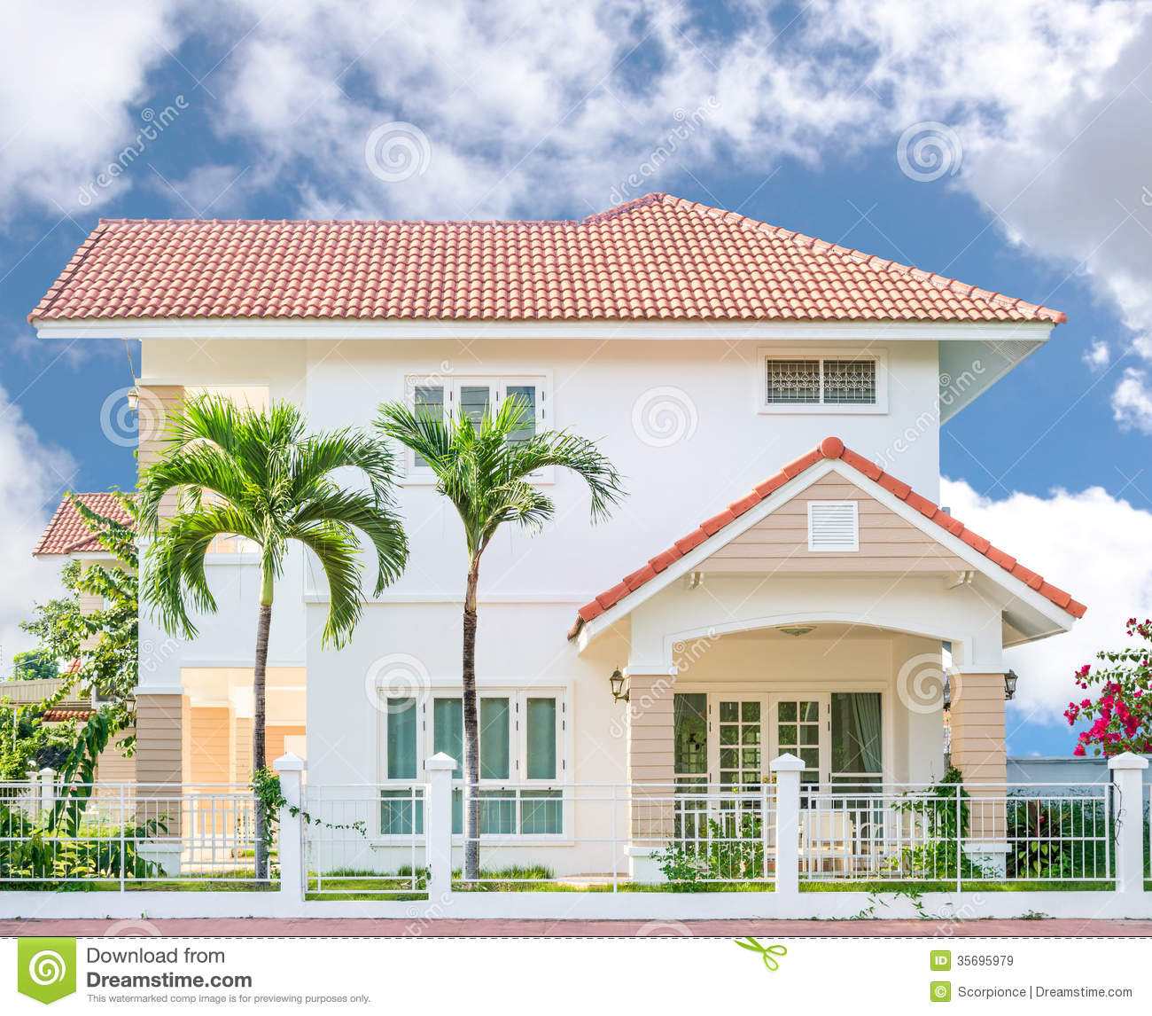 Beautiful bright house royalty free stock images image for Right house