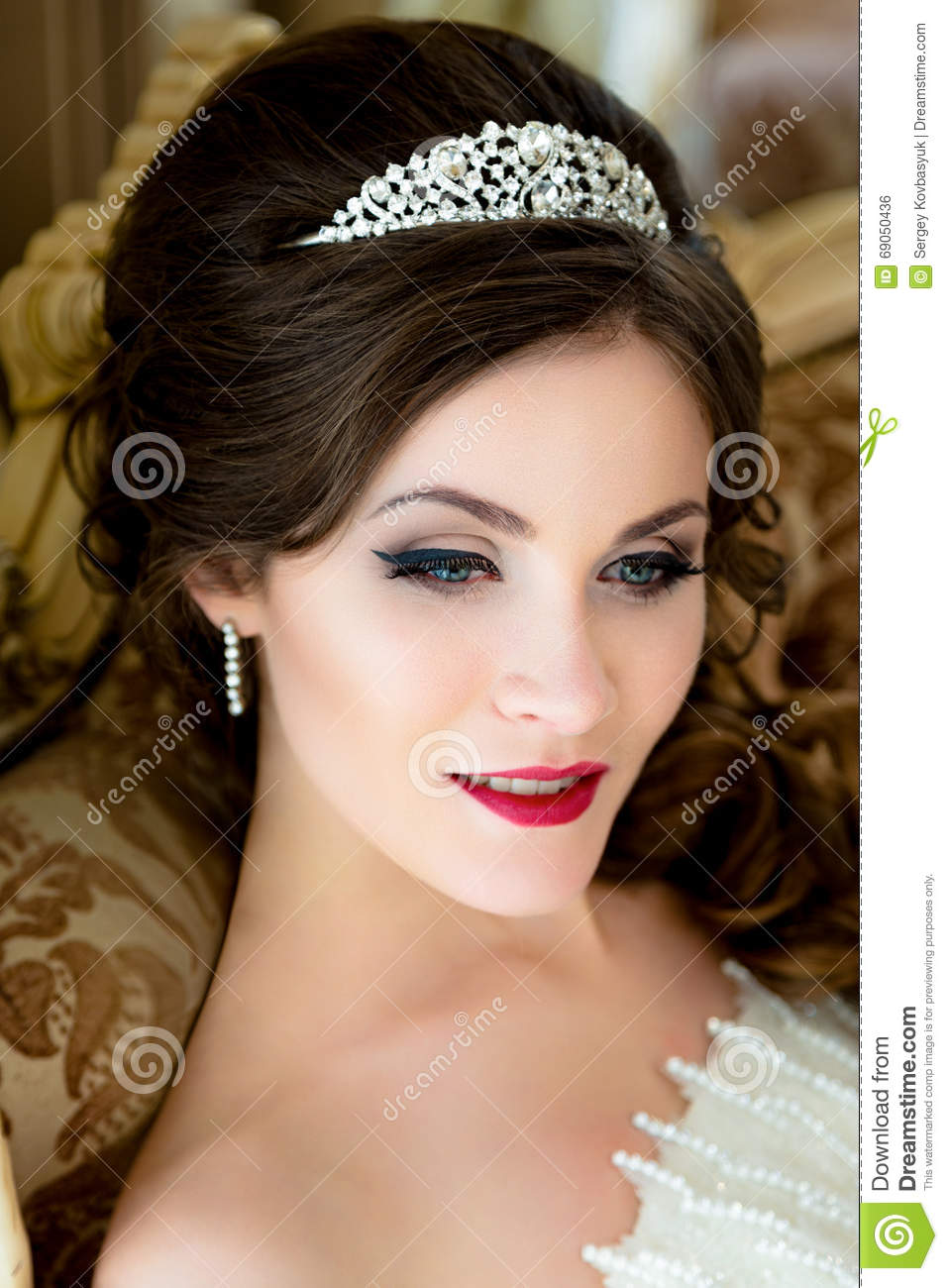 beautiful brunette bride portrait wedding makeup and hairstyle with