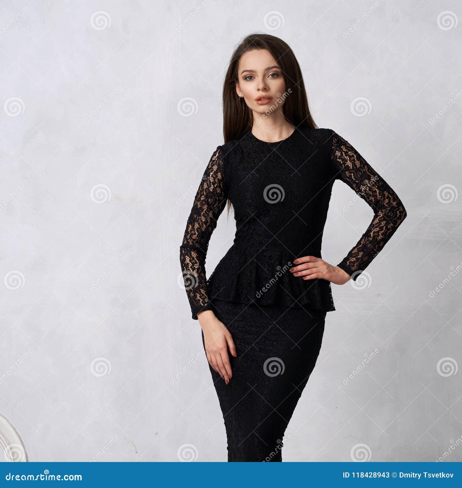 f3f87ee83cad1 Elegant Long Black Formal Dress