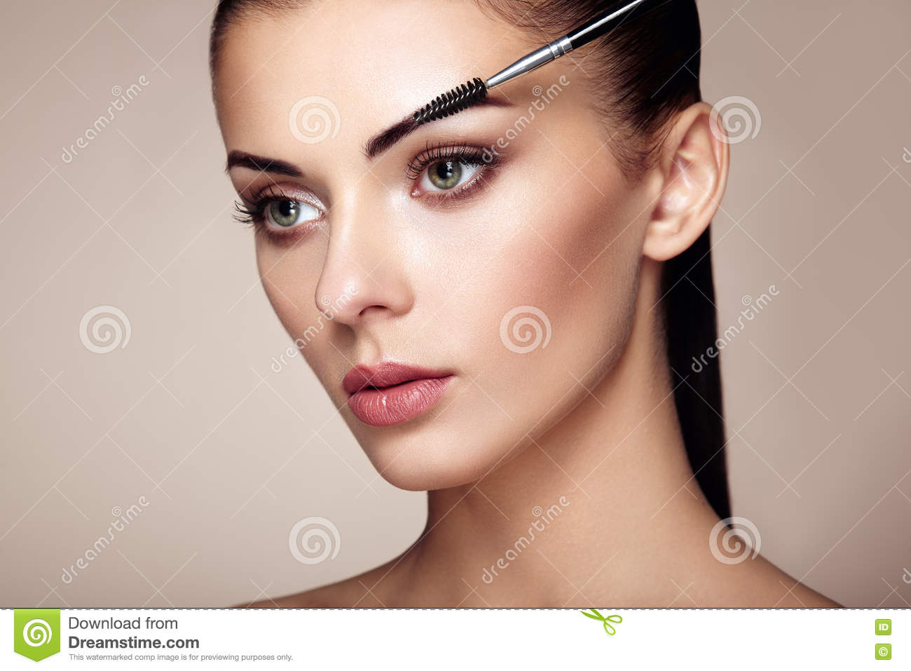 Beautiful Brunette Woman Paints The Eyebrows Stock Image Image Of