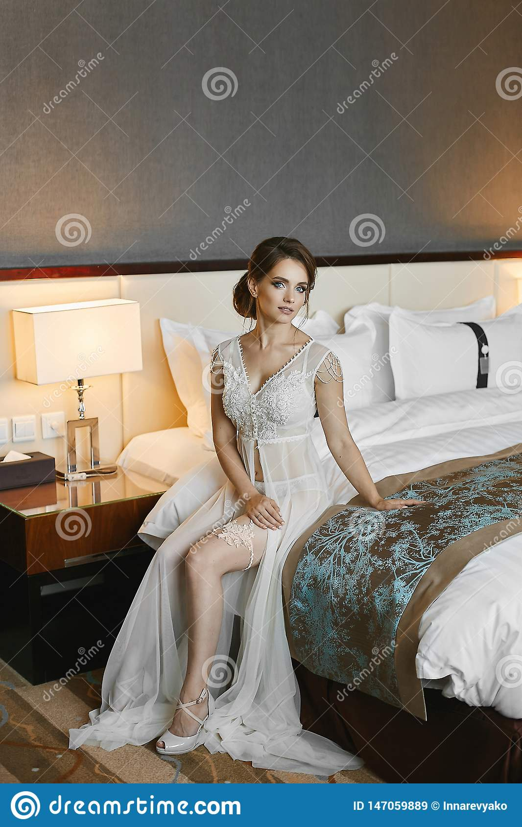 Sexy Naked Legs Young Fit Female Stock Images - Download 50 Royalty Free Photos-4748
