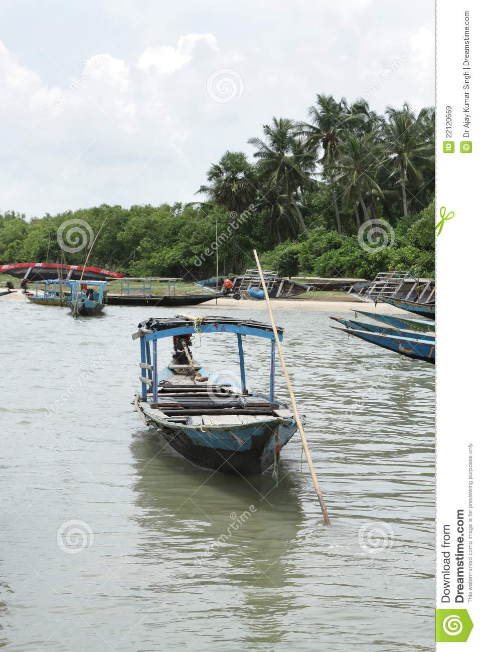 Beautiful chilka lake landscape with fishing boats royalty for Lake fishing boats