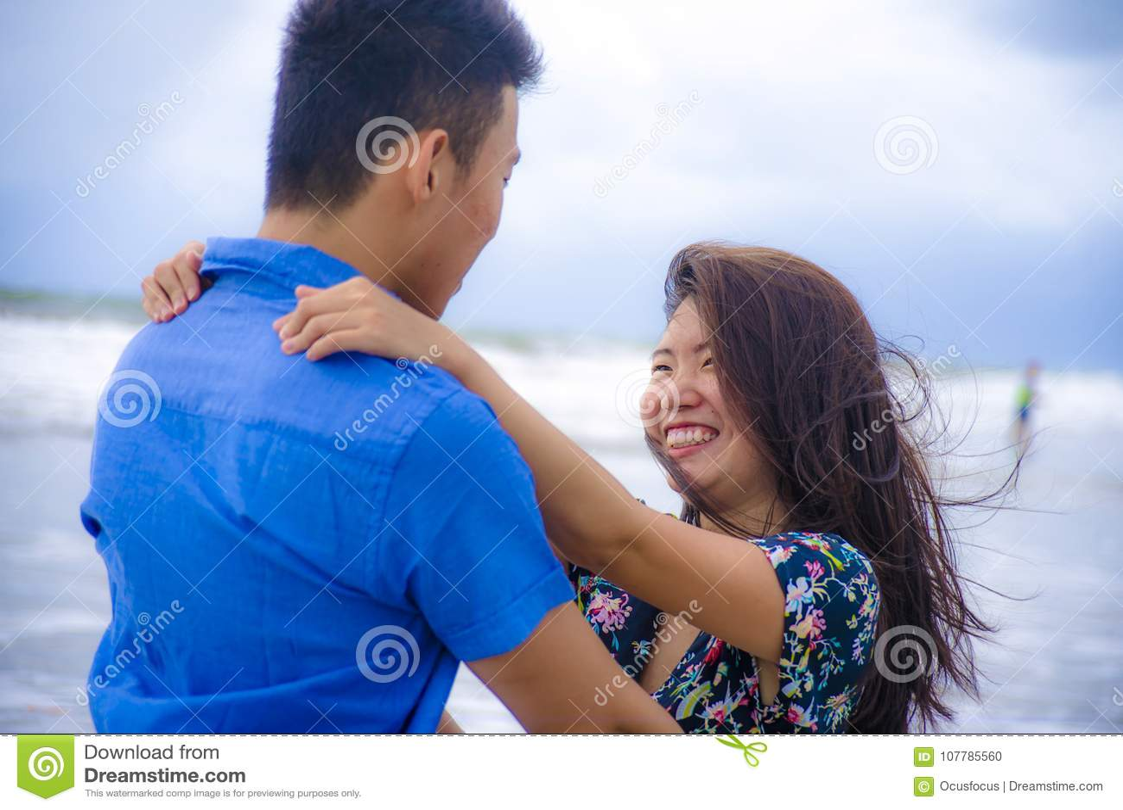 How to hug your boyfriend romantically