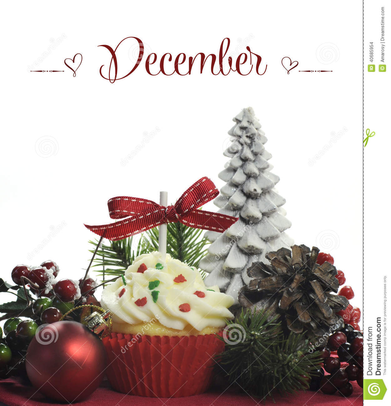 Beautiful christmas holiday theme cupcake with seasonal for Decoration lumignon 8 decembre