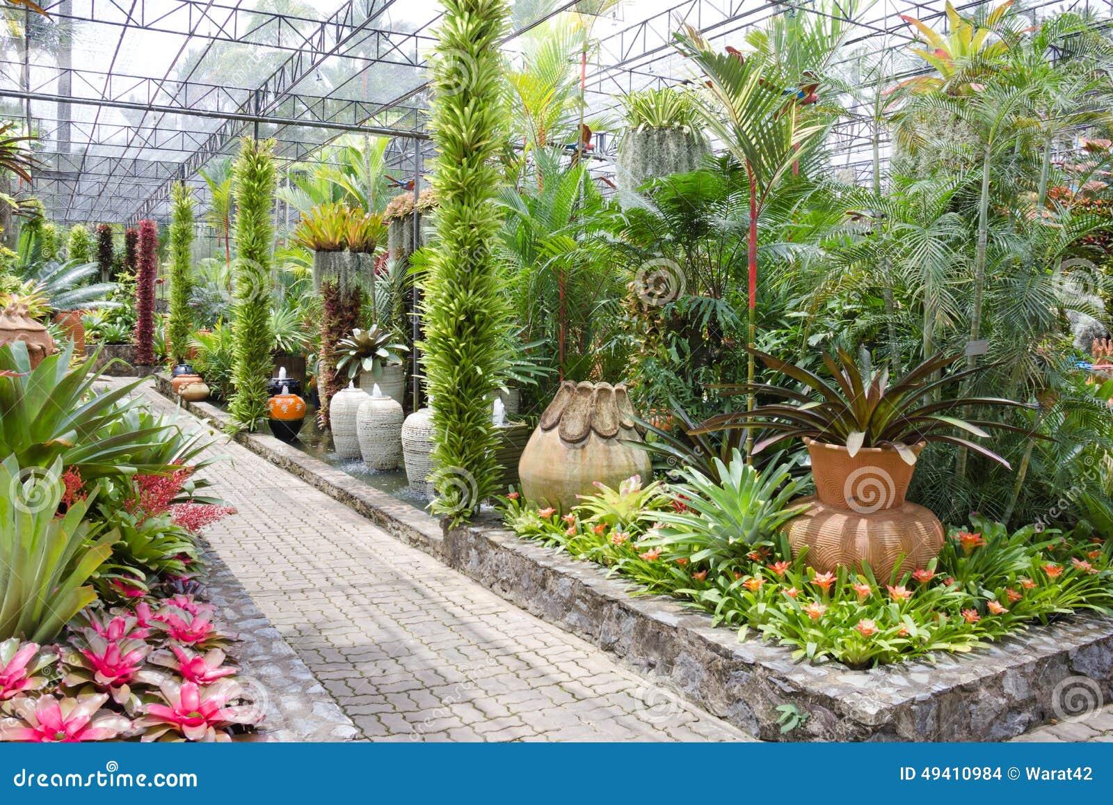 status raised garden beds