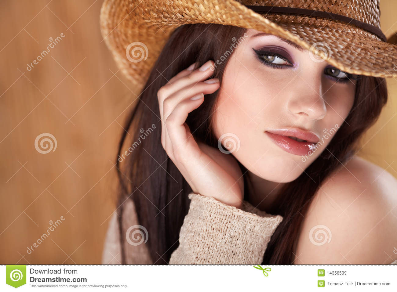 Beautiful Cowgirl Royalty Free Stock Images - Image: 14356599