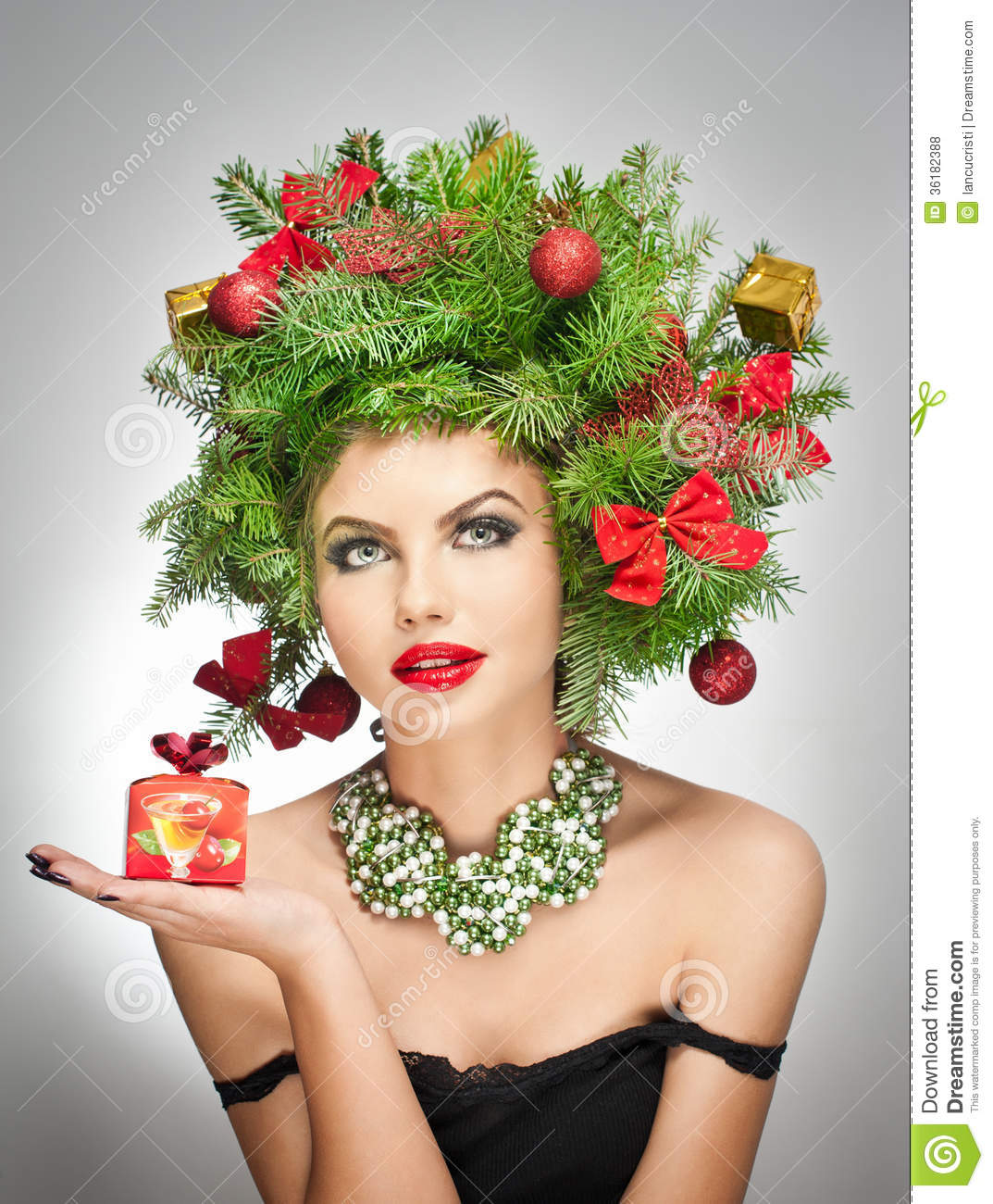 Beautiful Creative Xmas Makeup And Hair Style Indoor Shoot