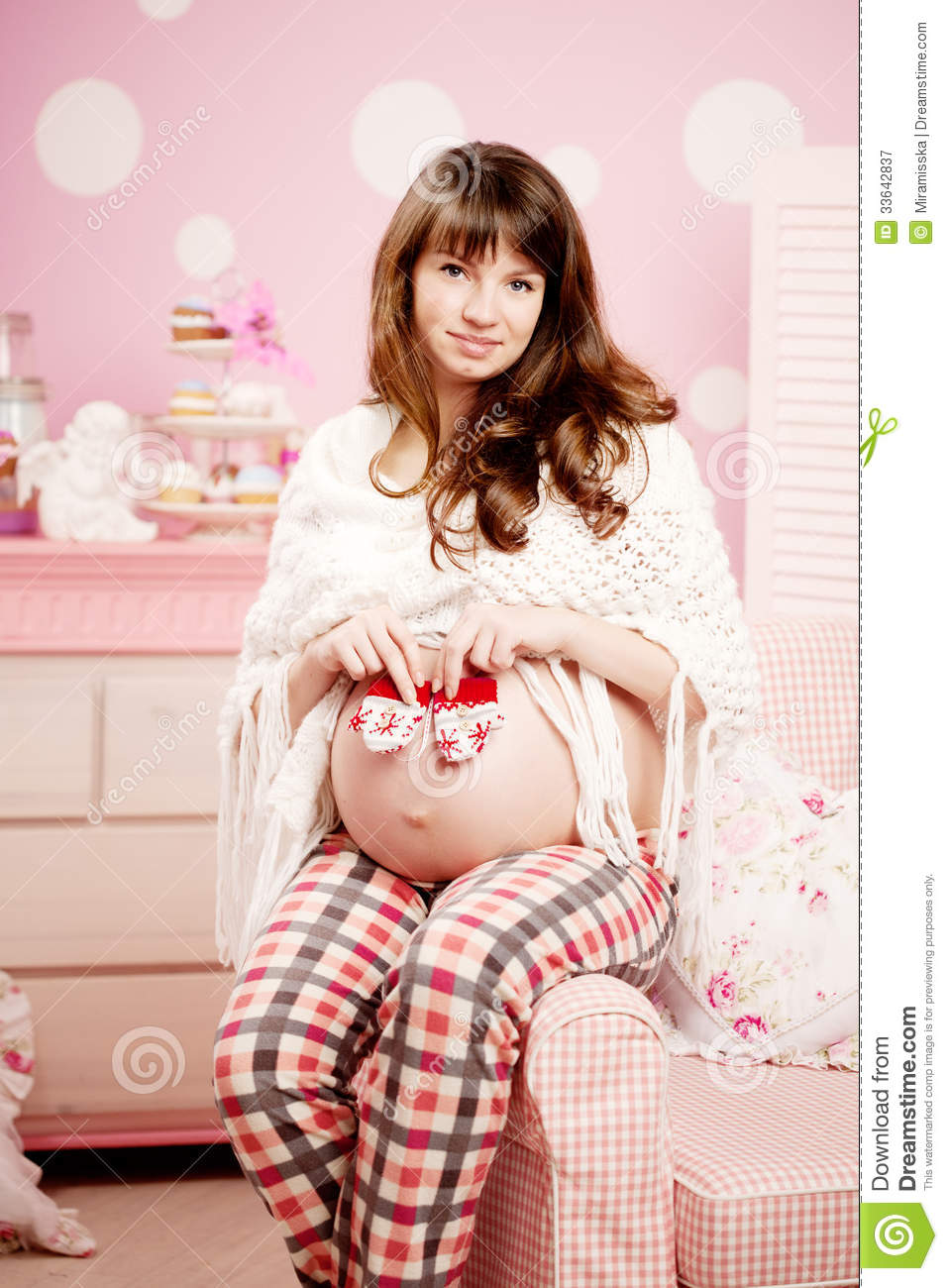 Happy pregnant woman-6966