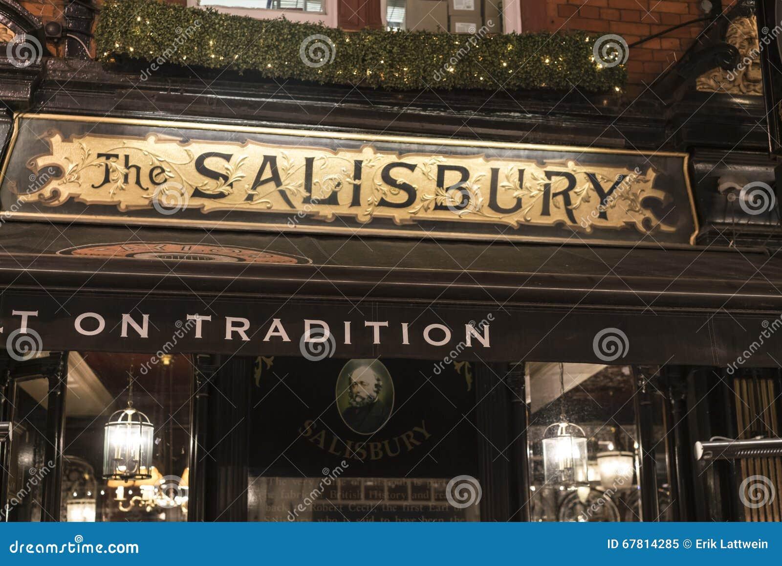 Beautiful English Pub The Salisbury In London Covent Garden London ...