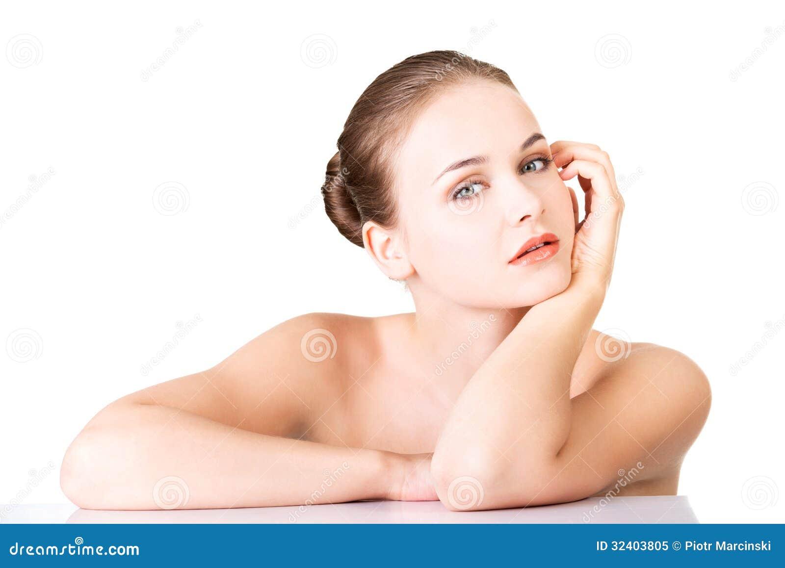 Ashiwarya nude picture