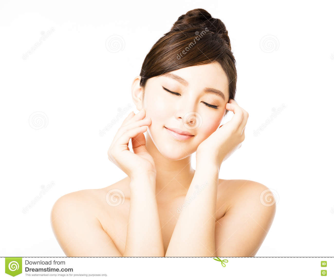 Beautiful face of young asian woman with clean fresh skin