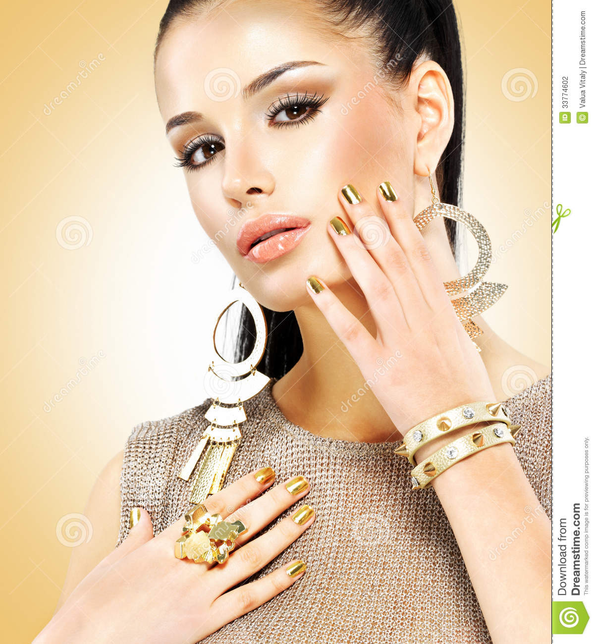 Fashion Beauty Model Girl Stock Image Image Of Manicured: Beautiful Fashion Woman With Black Makeup And Golden