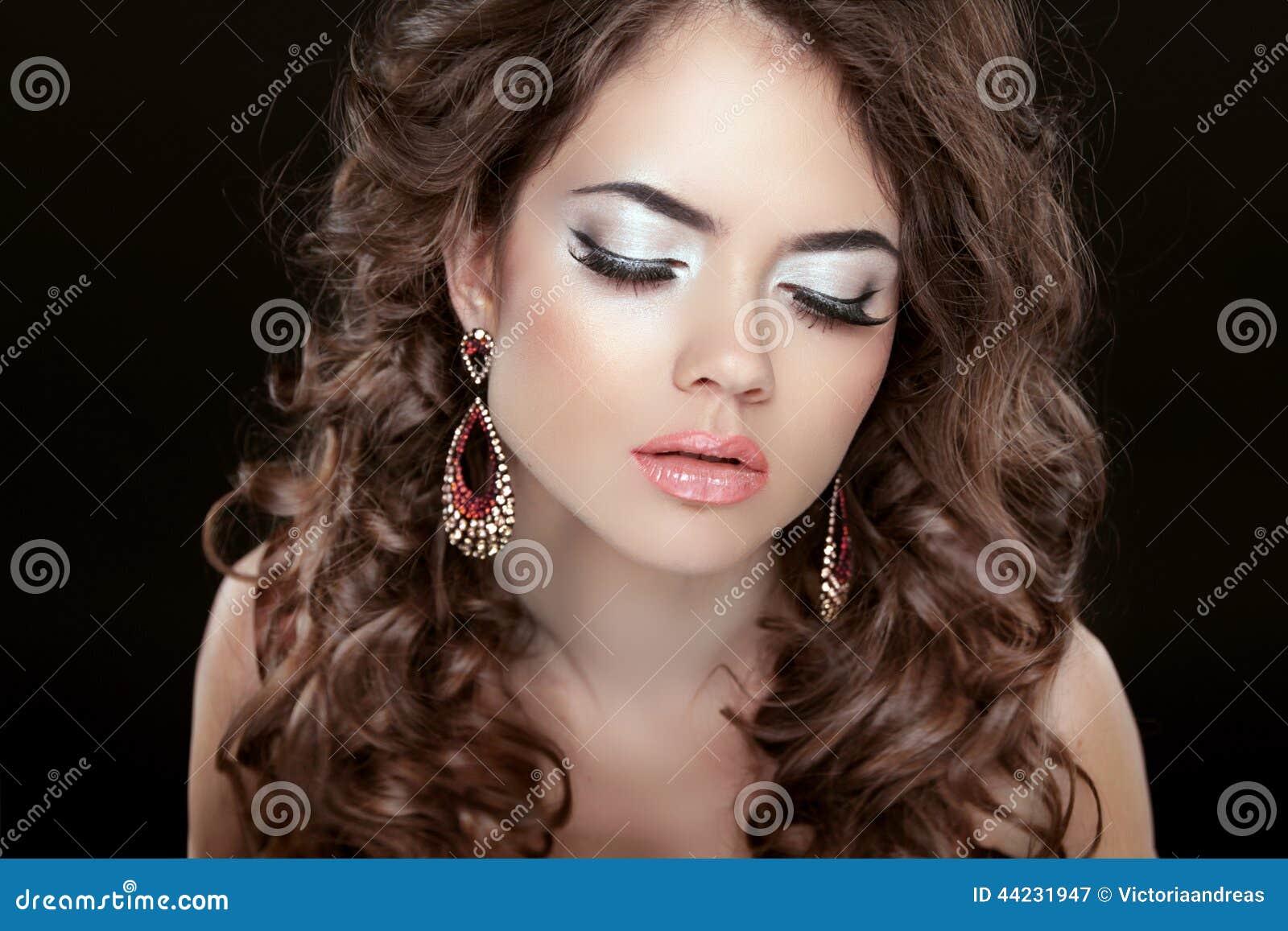 earrings girl hair makeup - photo #9