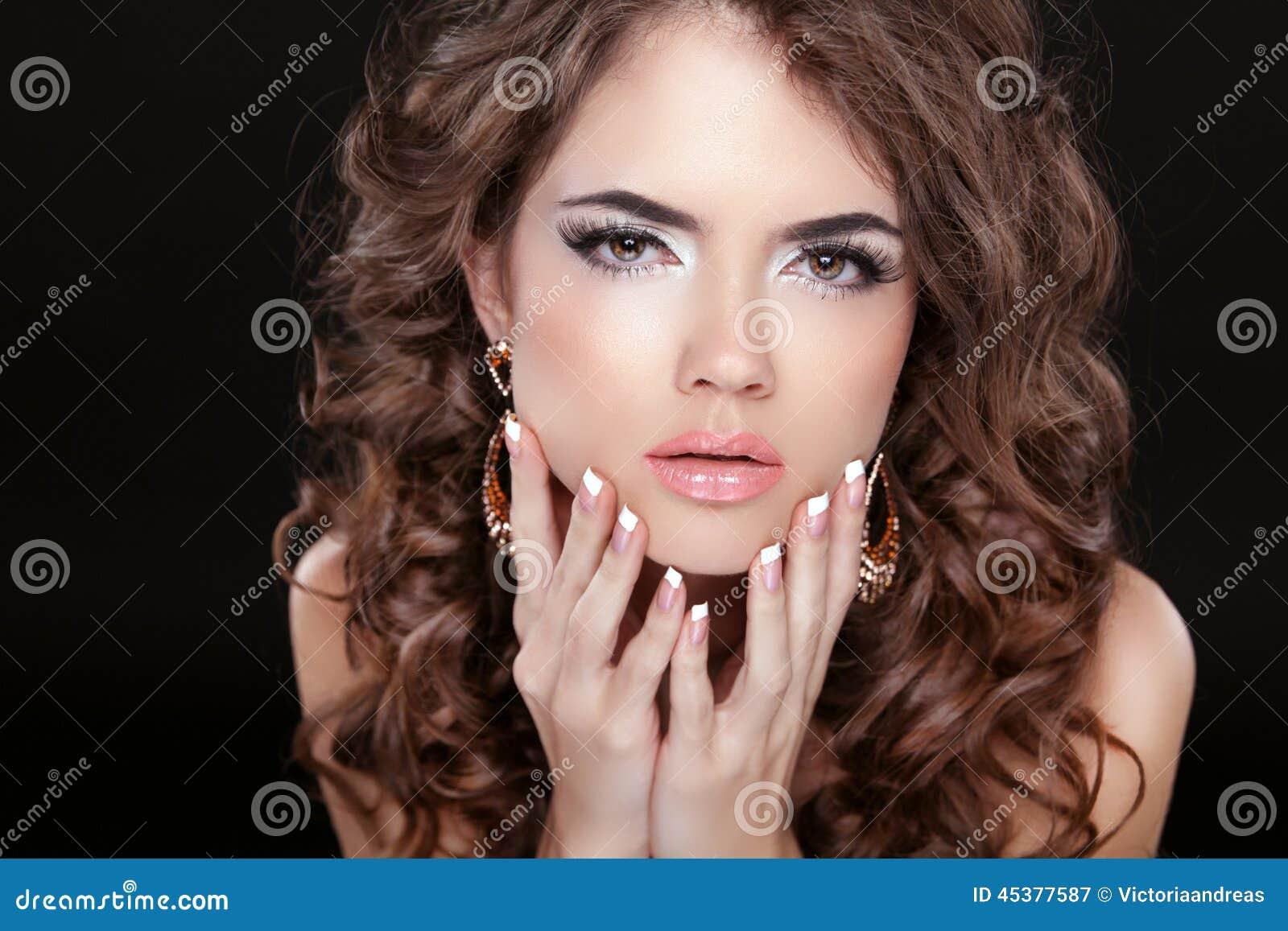 Beautiful Fashion Woman With Makeup, Long Wavy Hair And