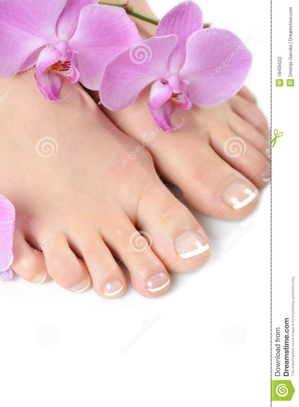 how to make feet nails beautiful