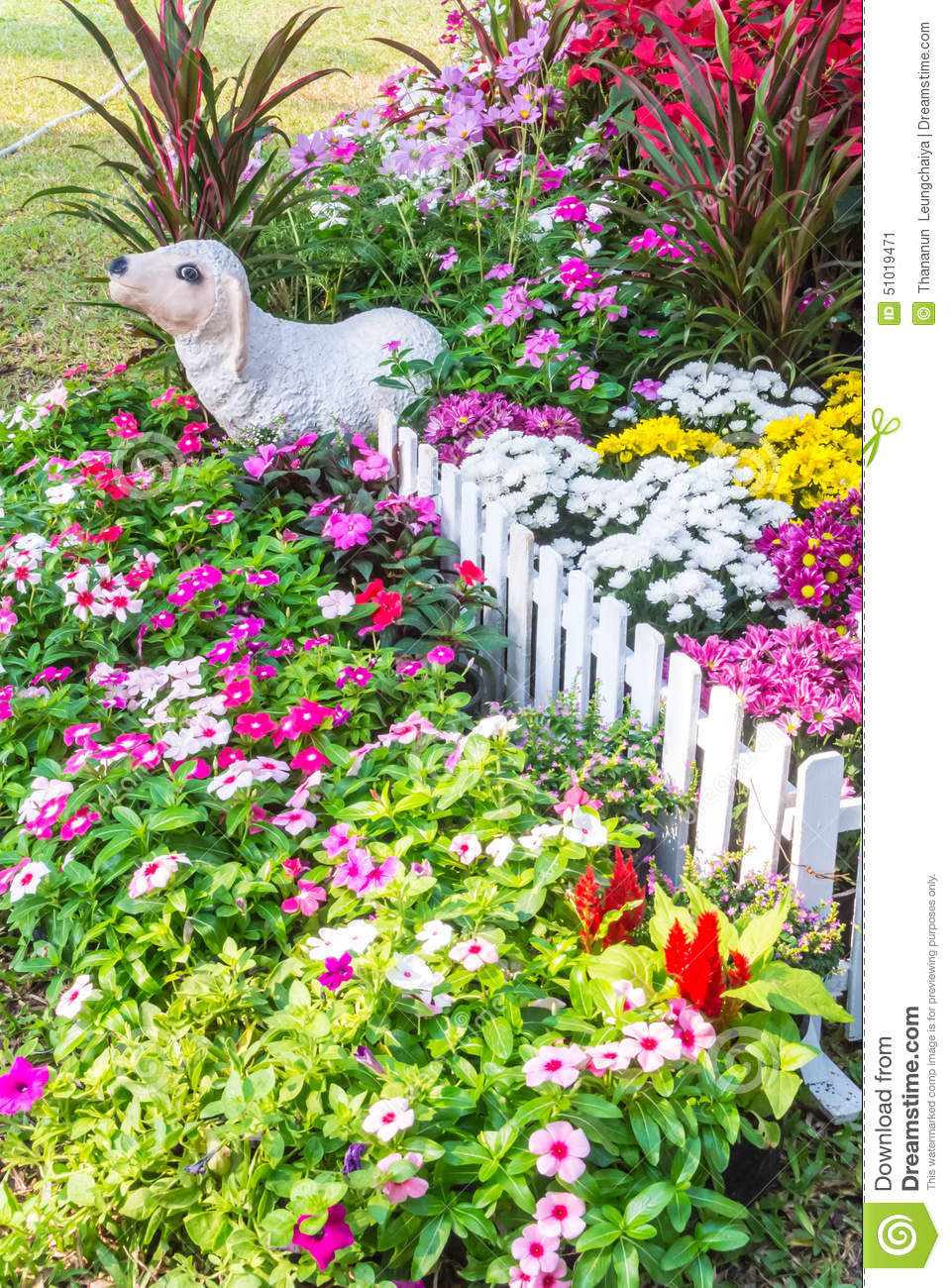 Beautiful flower garden stock image image of design 51019471 beautiful flower garden izmirmasajfo