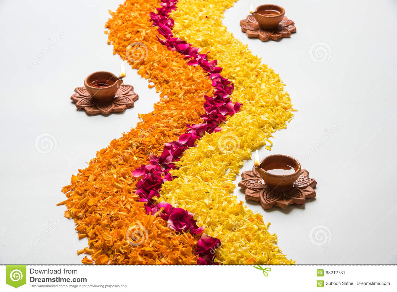 Beautiful Flower Rangoli Or Decoration With Clay Lamp For Diwali Or Any Indian Festival Stock Image Image Of Decorative India 98212731