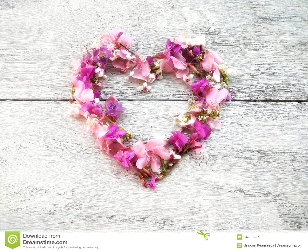 Beautiful purple flowers heart shape for valentine day and wedding beautiful flowers heart shape for valentine on wood background royalty free stock photography dhlflorist Image collections