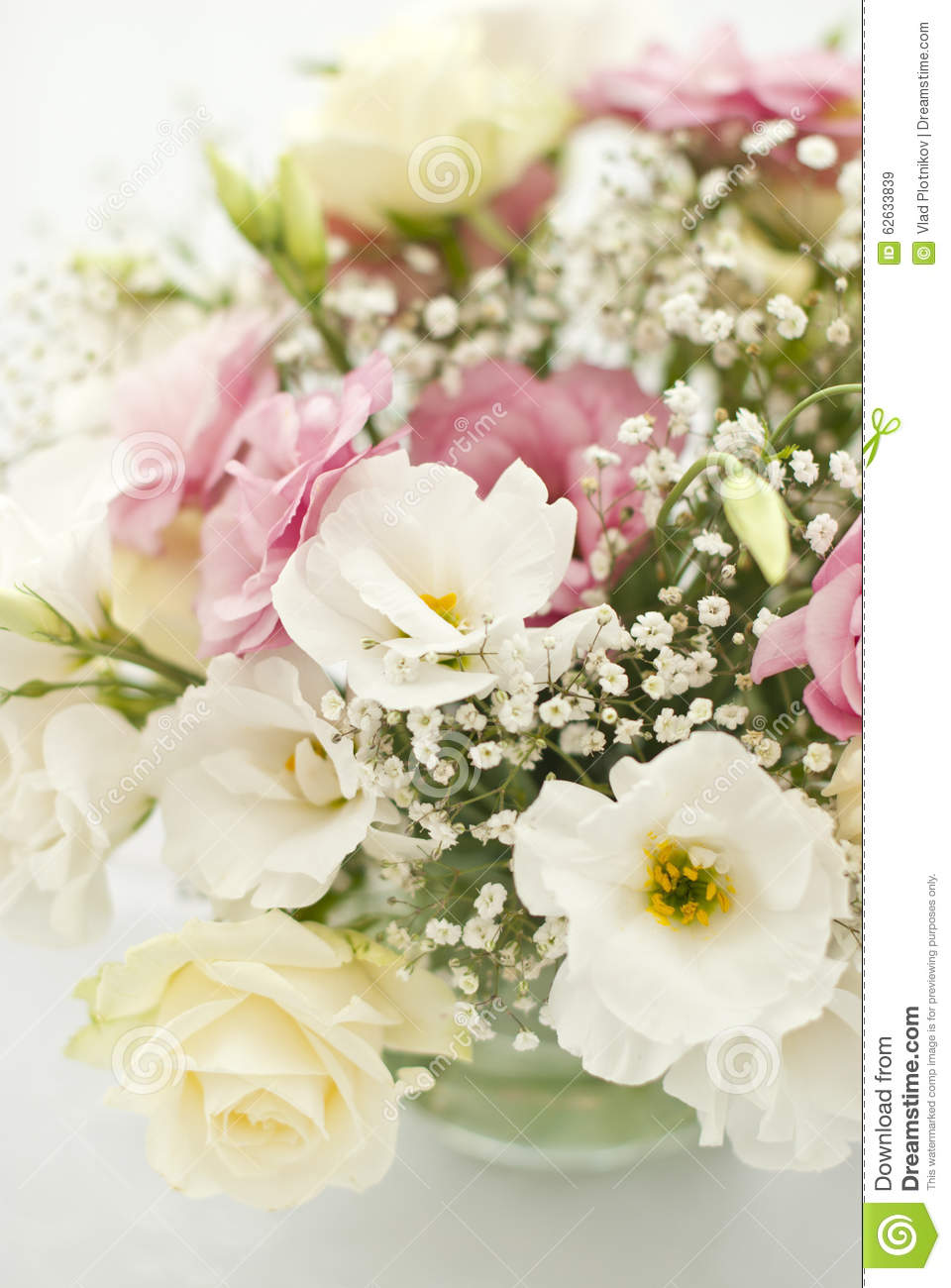 beautiful wedding flowers beautiful flowers on table in wedding day stock photo 1614