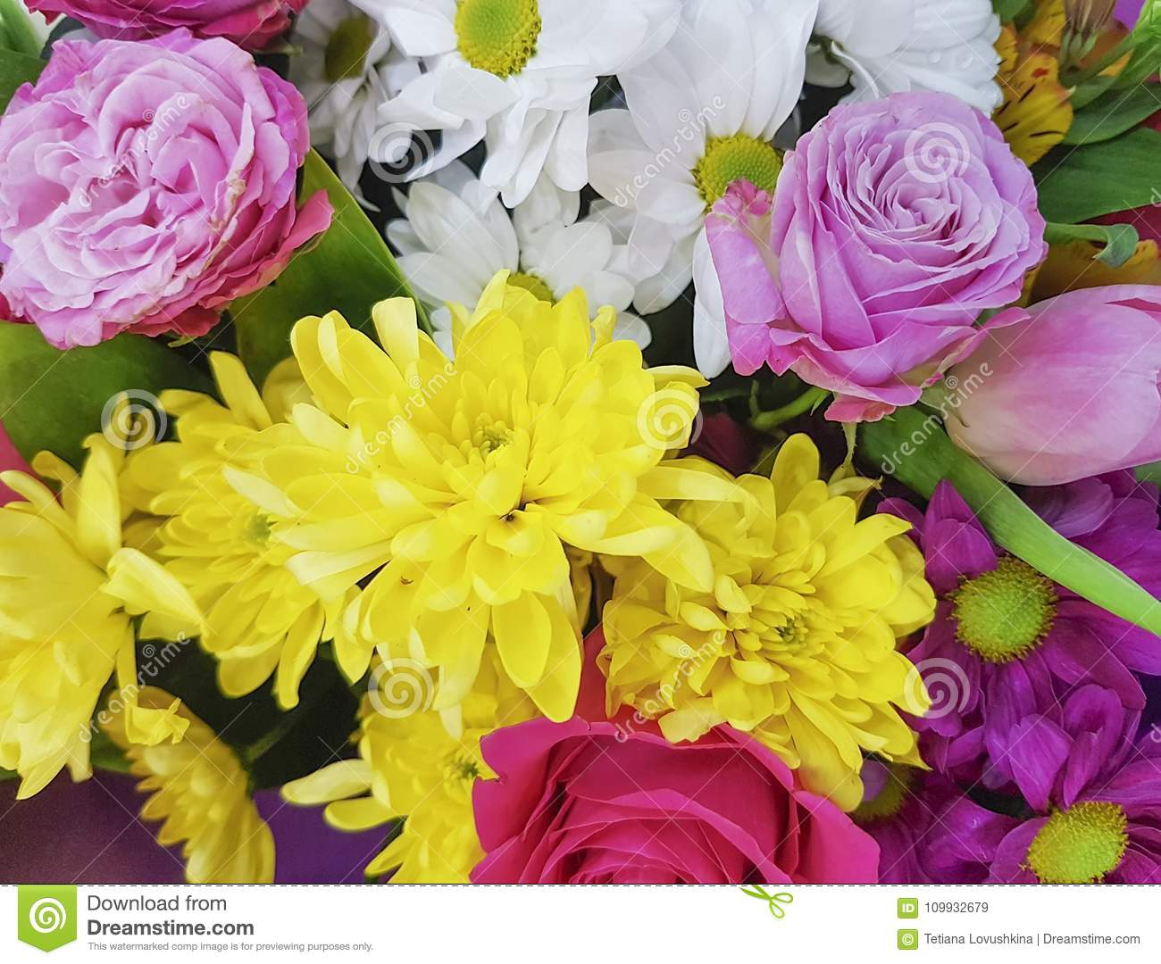 Beautiful Fresh Flowers Bouquet Chrysanthemum Yellow Rose