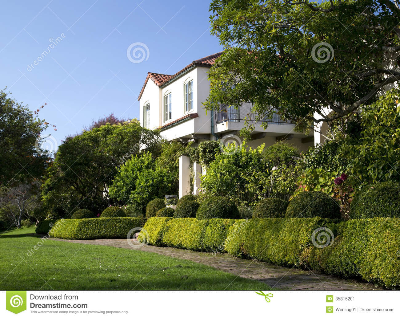 Beautiful front yard of house stock image image 35815201 for Beautiful front yards