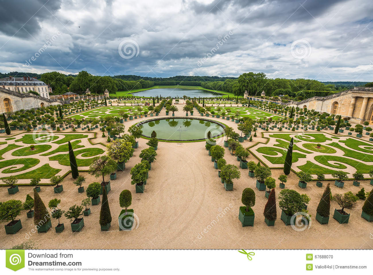 Beautiful garden in a famous palace versailles france for Garden design versailles