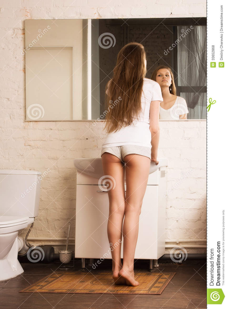 Beautiful girl in the bathroom royalty free stock photos for Bathroom pic of girl