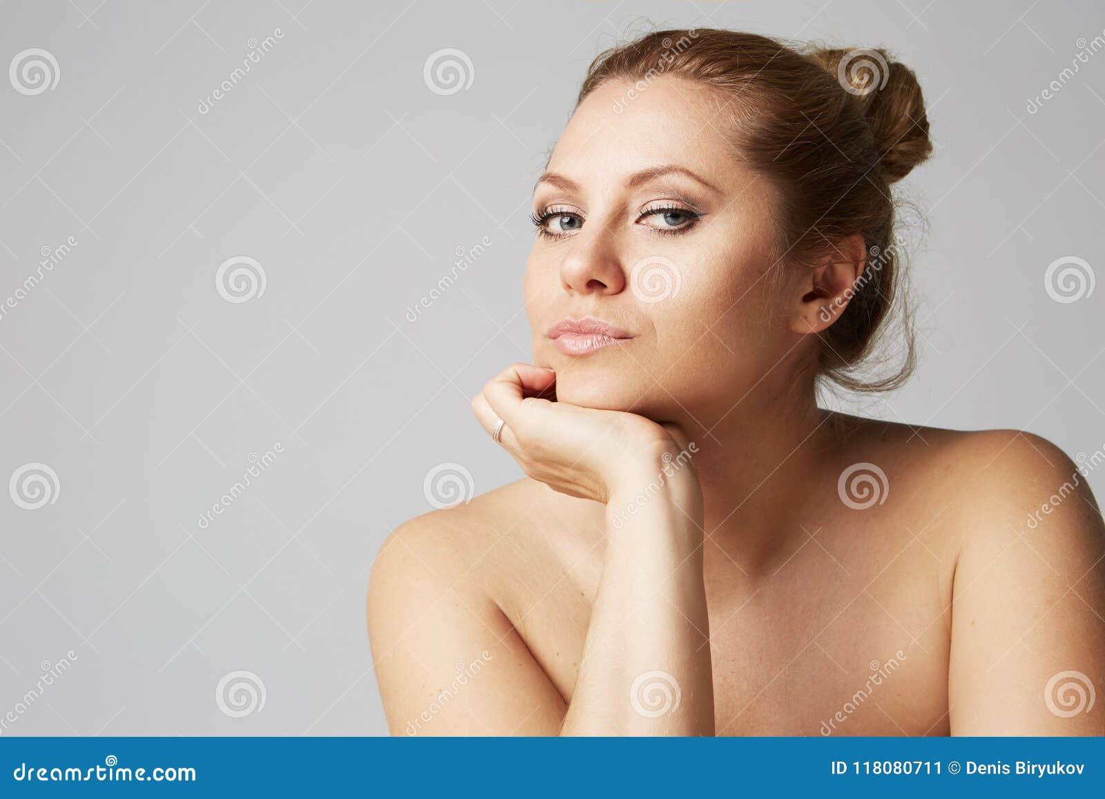 Nude Hue
