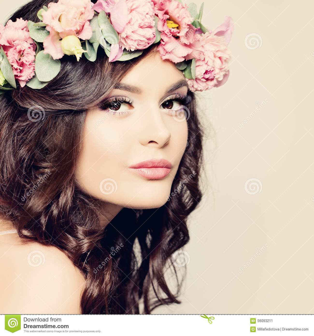 Beautiful Girl. Fashion Makeup And Hairstyle. Curly Hair Stock ...
